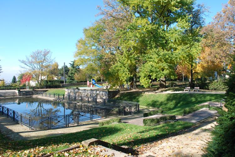 Mairie de chennevi res espaces verts et promenades for Espace vert mairie